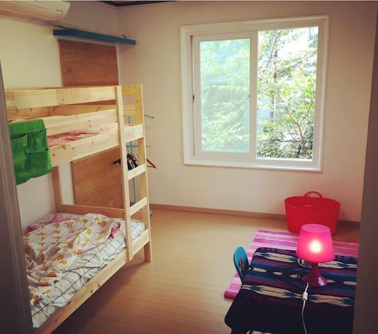 (2층침대방) 요가하우스 OPEN (숙박 + 수련) - 서울특별시 - Villa