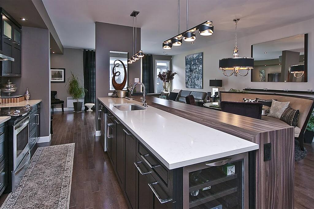 First great open floor plan with kitchen and living area.