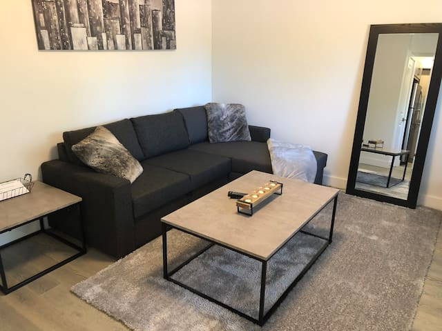 Private 1 bedroom basement suite close to lake