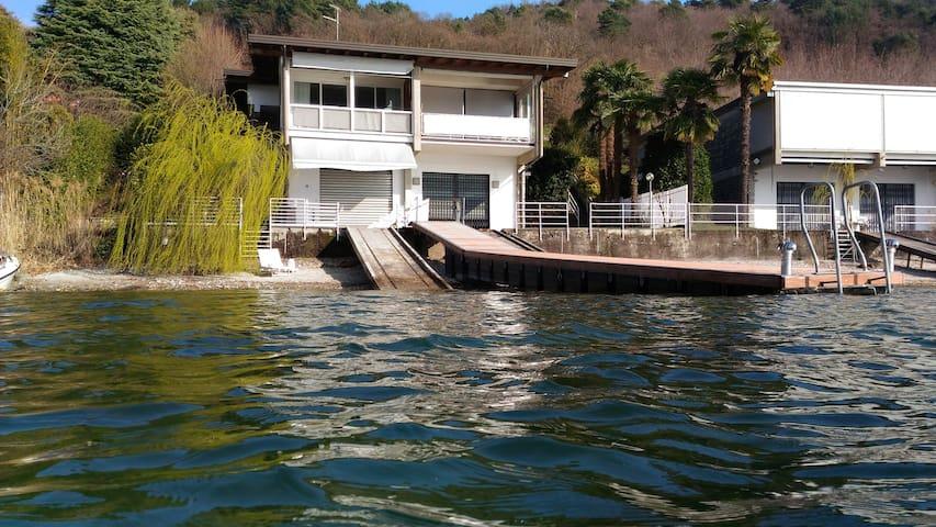 Casa con pontile e spiaggia privati - Ranco