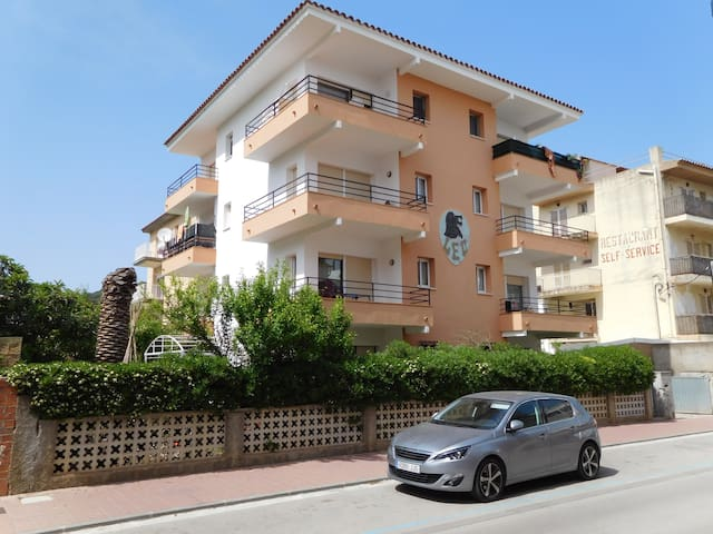 Airbnb L Estartit Vacation Rentals Places To Stay