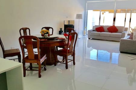 Brand new townhouse close to beach - Findon - Talo