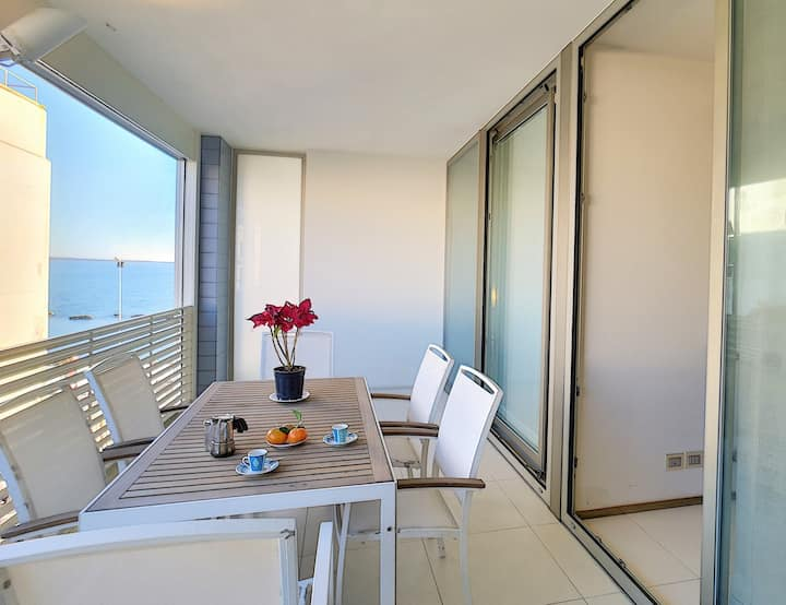 Modern suite with sea view terrace near Gallipoli's old town centre