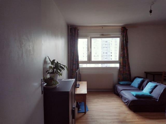 Appartement 55m² dans le 18eme, vue sur Montmartre