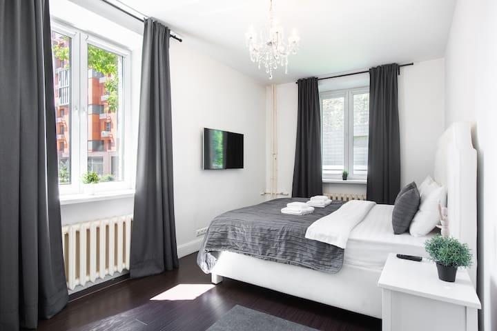 GoodAps: Klimashkina 15. Cozy and bright apartment