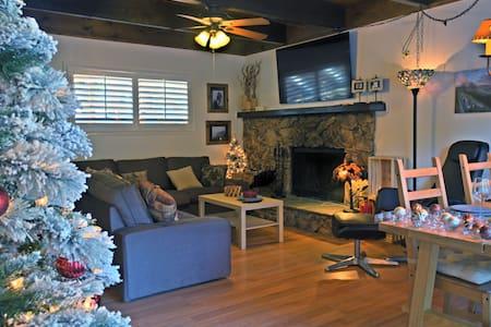 "Super Comfortable Cabin with 60""TV & HBO - Lake Arrowhead - Casa"