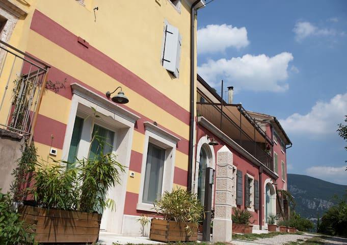 Casa Deancò Appartamento Pietra - Rivoli veronese - Apartamento