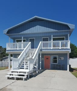 Carolina Beach Crabby Pad complete with backyard