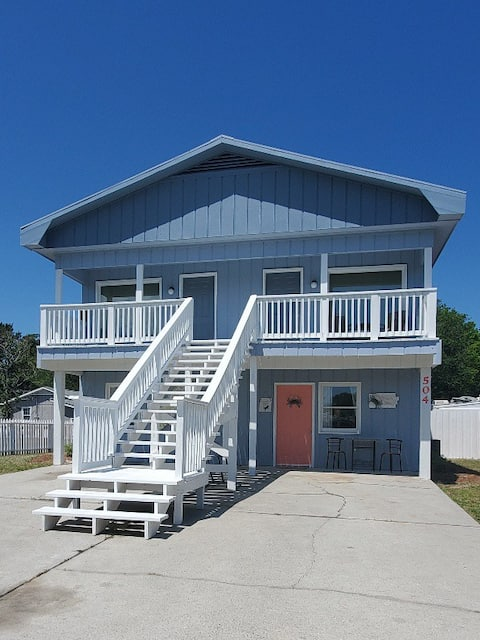 Carolina Beach Crabby Pad complete with backyard
