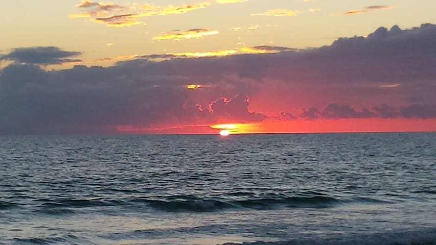 Sunsets in PCB are the best!