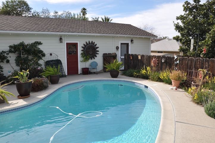 DETACHED CHARMING STUDIO! - Redlands - Otros