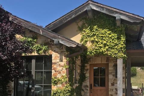 Carmel Valley Home på Eclectic Farm