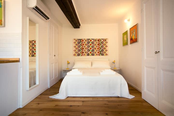Little Suite Via Po