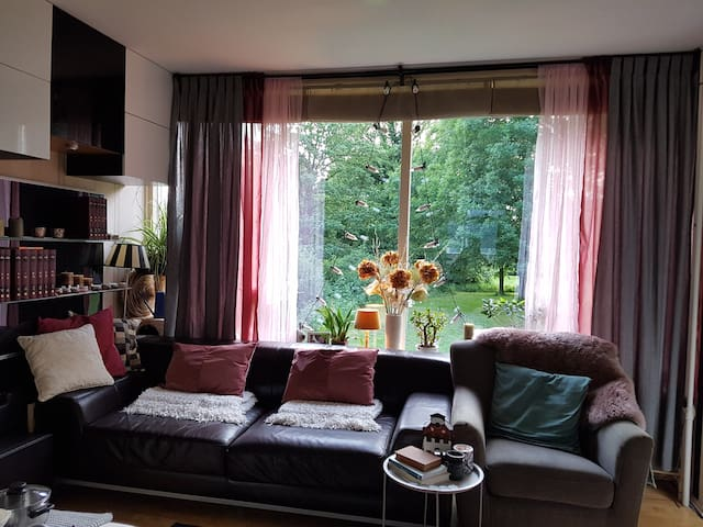 Bohemian apartment among Amsterdam&Sea/freeParking