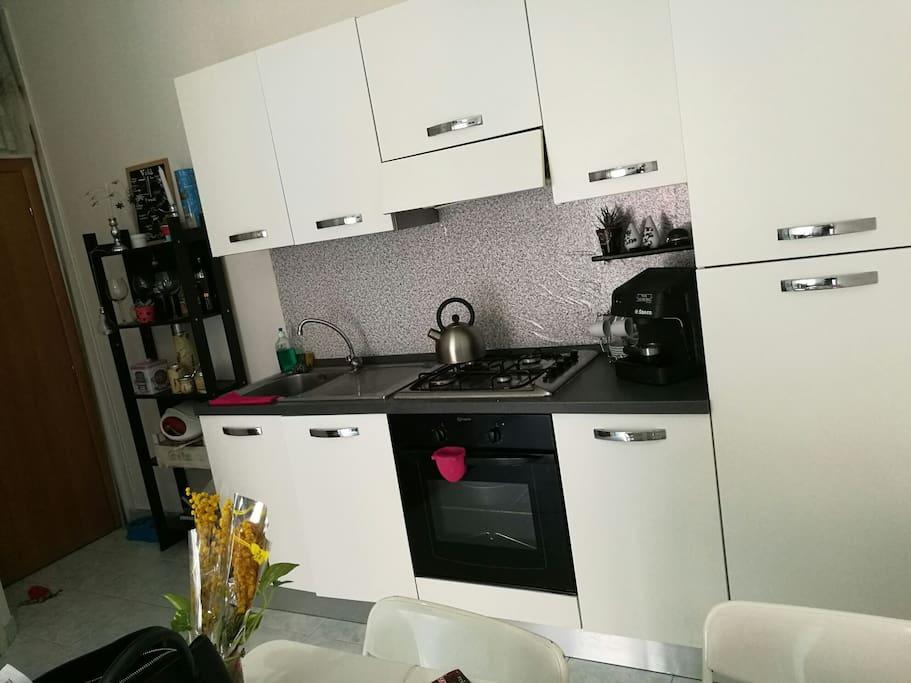 appartamento intero vicino metro udine milano wohnungen zur miete in mailand lombardia italien. Black Bedroom Furniture Sets. Home Design Ideas