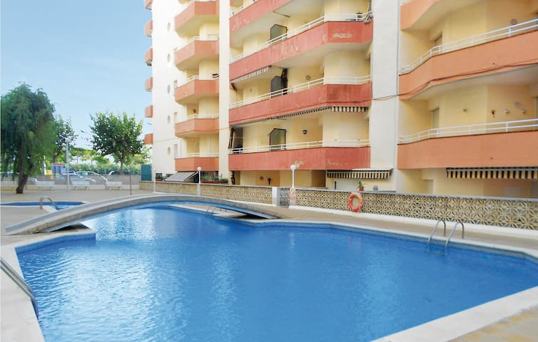 Holiday apartment with 2 bedrooms on 60 m² in Pineda de Mar