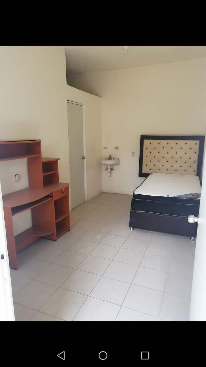 Dormitorio amueblado individual !!