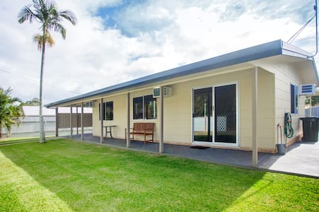 The Holiday Shack Hervey Bay - Scarness - Haus