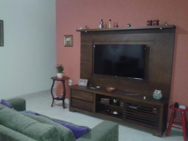 Ambiente familiar no bairro Santa Luzia - Juiz de Fora - House