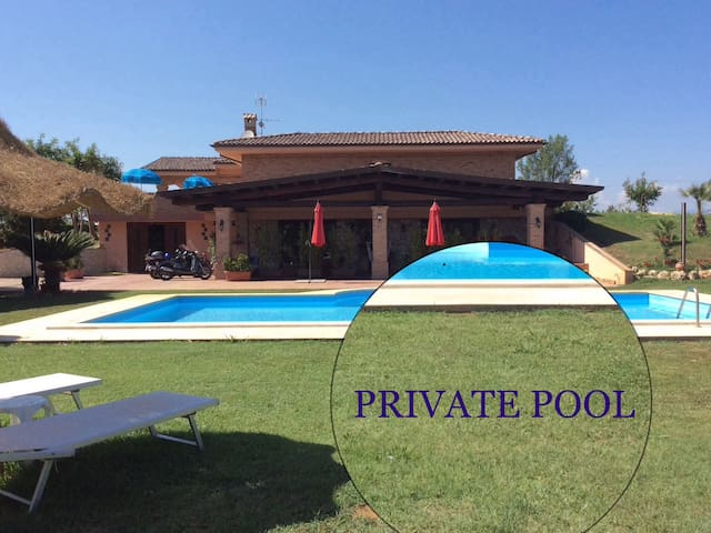 VILLAS COUNTRYBEACH    WITH  PRIVATE  POOL