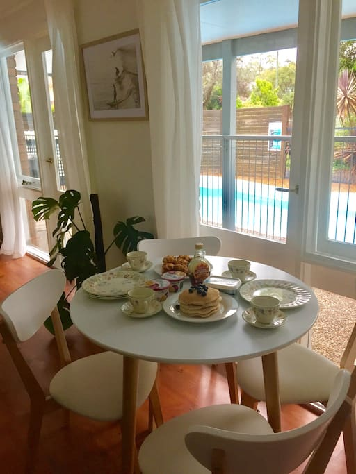 House with pool and outside spa dog friendly houses for Dining room 95 hai ba trung