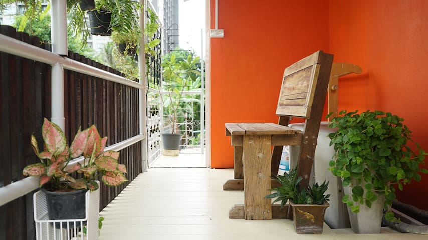Baan Tik Bed & Breakfast, Stay Local, Near BTS - Bangkok - Bed & Breakfast