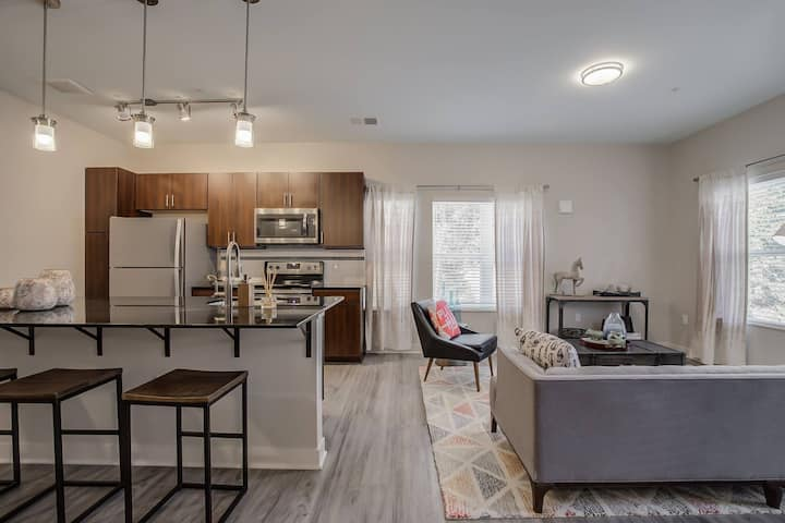 Homey place just for you | 2BR in Grand Rapids