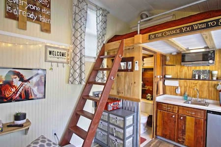 ❤️ Tiny Awesomeness! Tiny House- She Shed- Man Cave