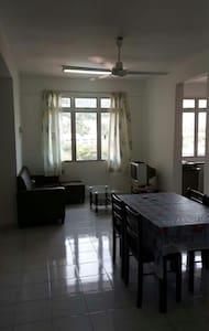 Comfort 3 br homestay - Tanjung Bungah