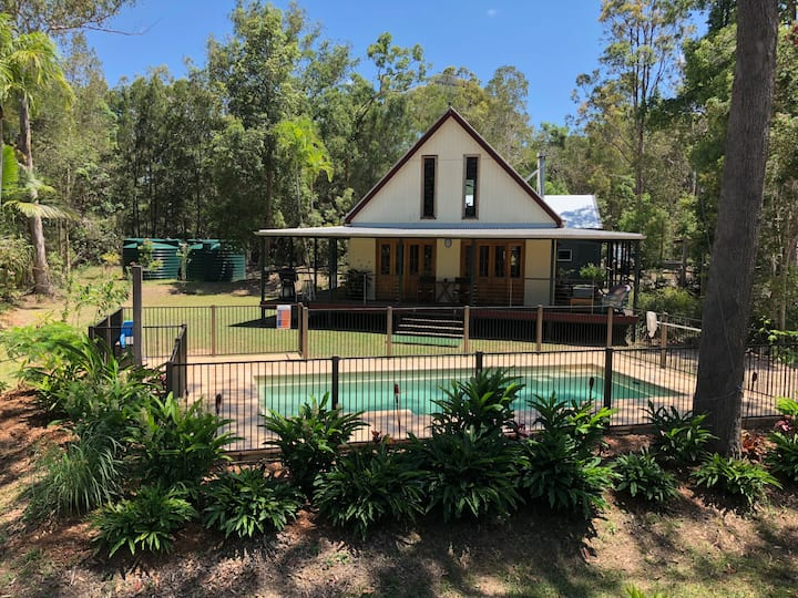 Noosa-Acreage-Cottage-Private-Pool