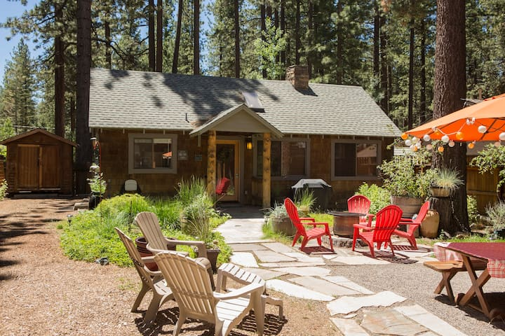 Walk to Lake/Beach Rustic Ski Cabin - South Lake Tahoe