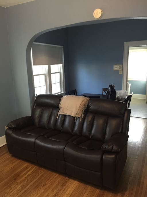 Comfy reclining couch