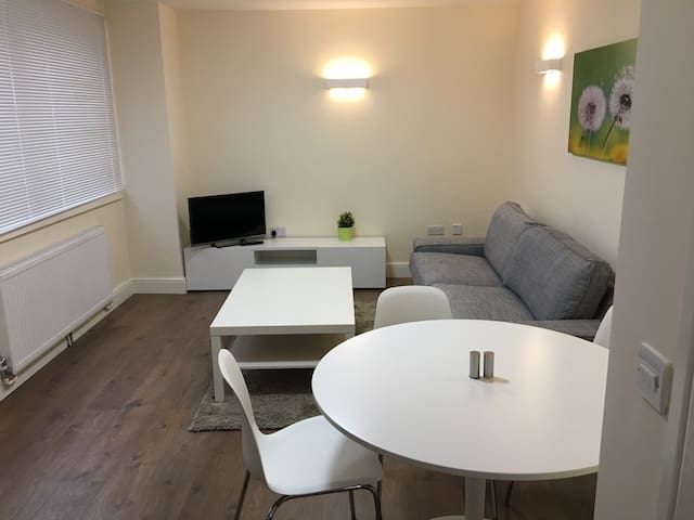 Westminster House - Serviced Apartment - Slough - Wohnung