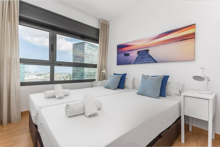Fira-Barcelona 2 double bedroom apartment w parkin