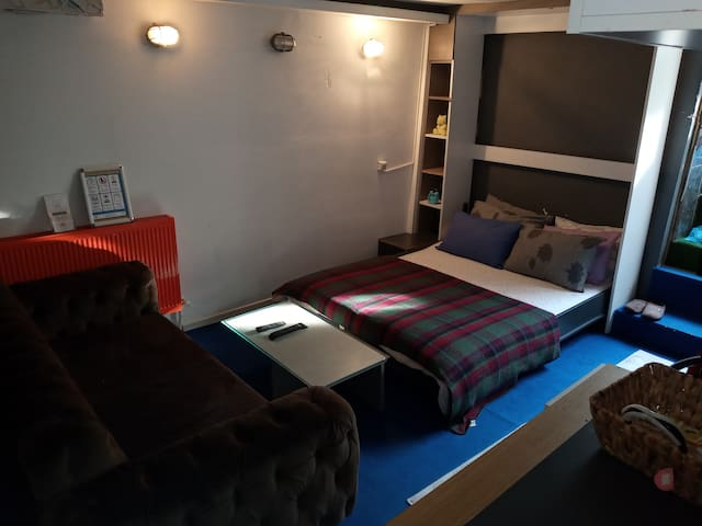 1+0 otel konsepti.Ayrı girişli.kot 1__24hours serv