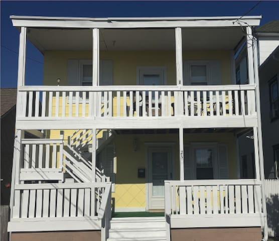 Duplex Near The Shore(First Floor) !!!