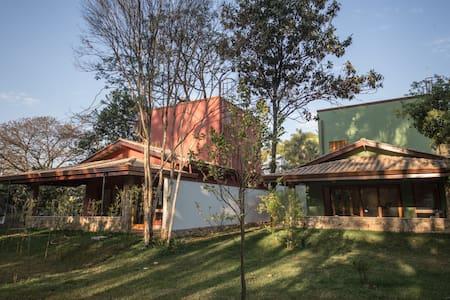 Campinas, SP, com desenho universal - แคมปินัส - บ้าน