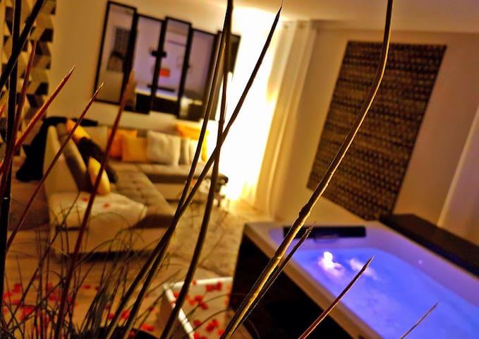 Nuit avec spa privatif, suite chic - Cabrieres  - Hus