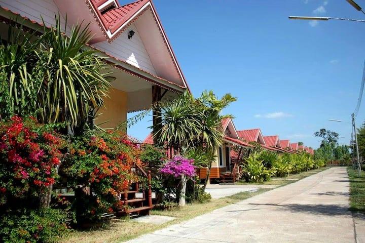 Rachiga grand hotel and resort (ราชิกาแกรนด์ )