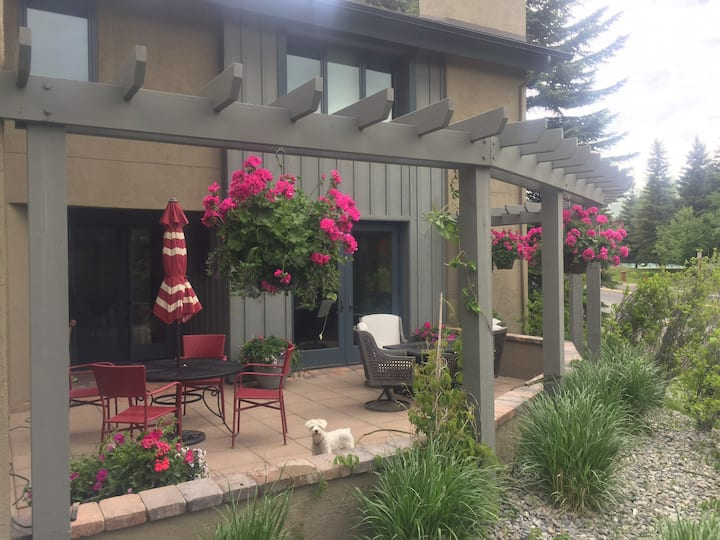 Beautiful Sun Valley/Elkhorn condo