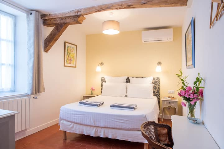Chambre Citron-Double room-Ensuite with Bath-Standard-Garden View