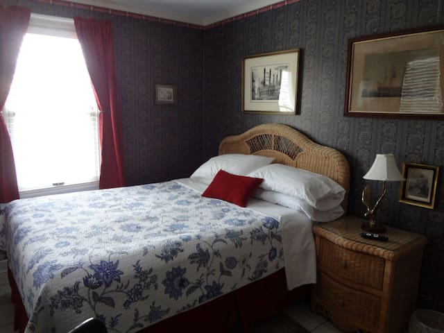 Henry's Suite (RM 4)