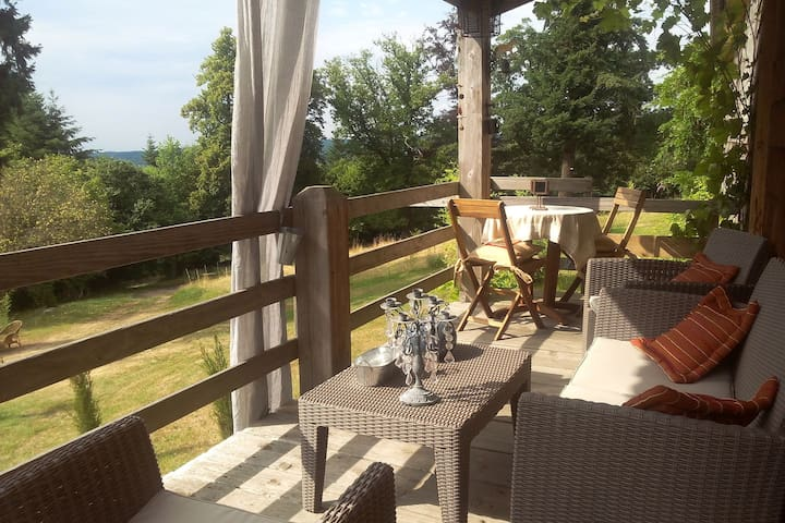 Tasteful and luxurious furnished holiday home estate with castle in the Vosges