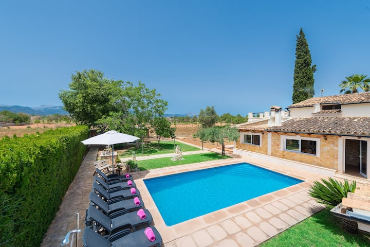 CITRINO - Wonderful villa with private pool located in  rural surroundings. Free WiFi.