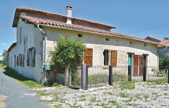 Holiday cottage with 3 bedrooms on 150m² in Riberac