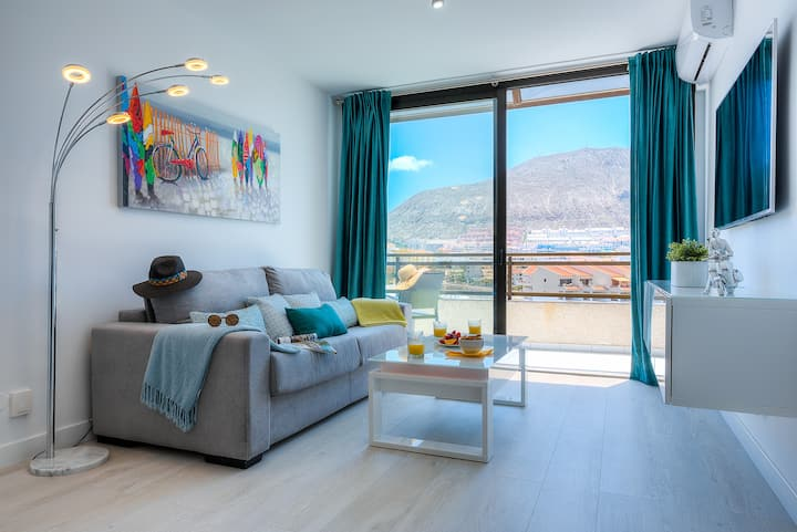 Modern Apartment in the Center of Los Cristianos