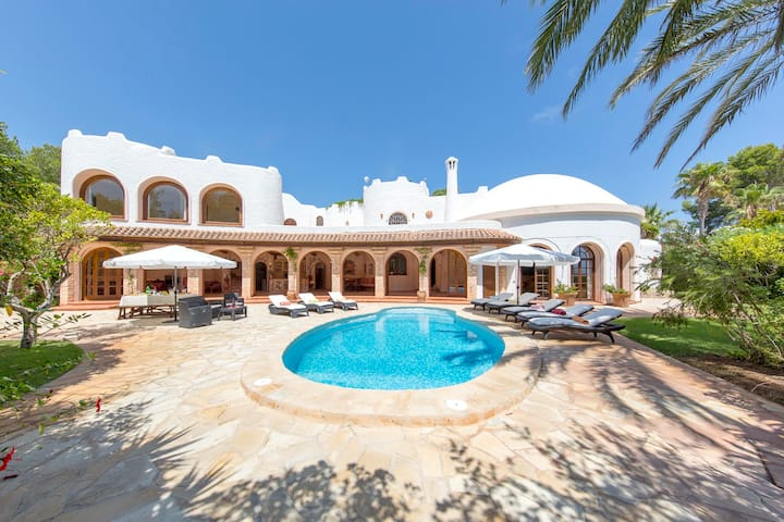 Superb Seafront & Beach Villa Ibiza - 1min walk