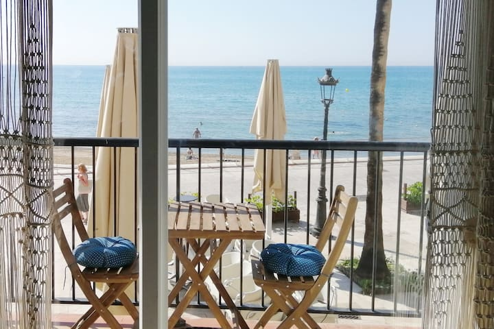 Beach Apartment with lovely sea view