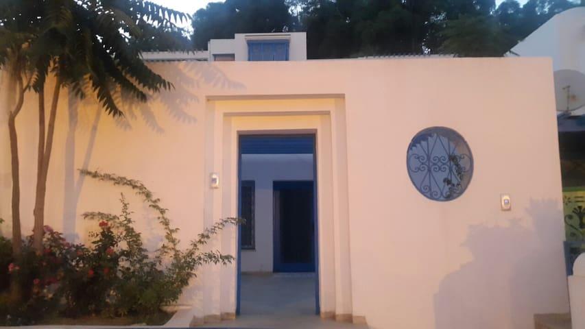 Bungalow de charme - 2mn de la plage - Carthage