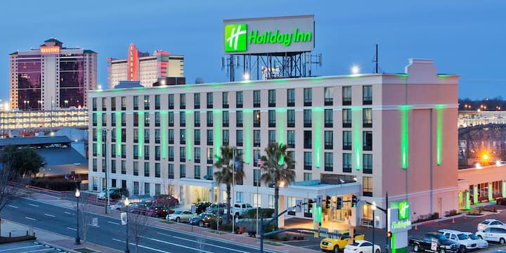 Beautiful downtown accommodations!